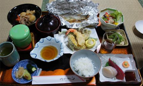 秋山荘の夕飯
