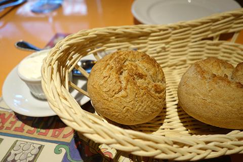 自家製パンとホイップバター