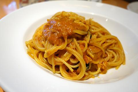 ズワイガニと渡りガニのトマトソース スパゲッティ